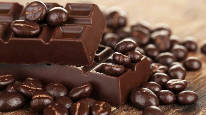 Trozo de chocolate oscuro